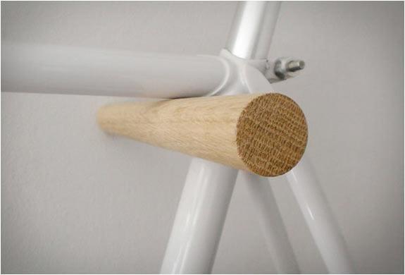 fluoshop-wood-peg-minimal-bike-hook-2